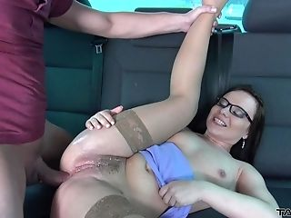 Picked Up Czech Cougar With Big Booty Wendy Is Rectal Banged In The Car
