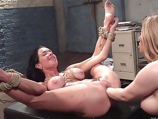 Nothing Compares With Fucking Abilities Of Wild And Hot Veronica Avluv