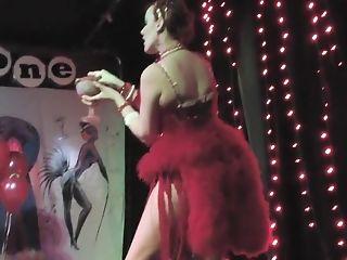 Burlesque Unwrap Display 136 Lola Vee