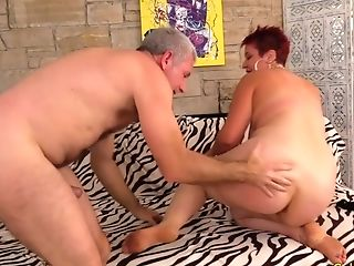 Older Scarlett O Ryan Bounces On A Dick