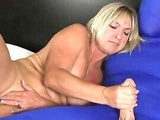 Masturbating Matures Beauty Jerking Hard Woo